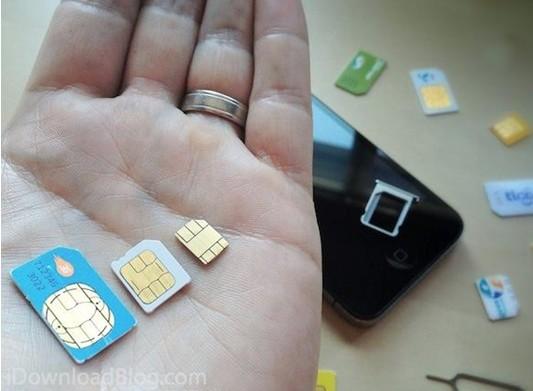 苹果第六代智能手机iPhone 5北京时间今日凌晨在美国旧金山芳草地中心发布。iPhone 5首次使用了12mm9mm的Nano SIM卡,面积比iPhone 4使用的Micro SIM卡更小,厚度仅为0.67毫米,比之4要薄15%,因此无法通过传统剪卡方式将Micro SIM卡转换为Nano SIM卡,除非通过其他方式将厚度削薄。  目前,国内的3家运营商:电信、联通、移动,都没有nano-SIM,也就是说,如果明天你就从HK等地